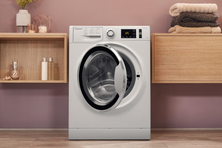 Hotpoint ActiveCare NM11 1045 WC A UK washing machine lifestyle hi 4