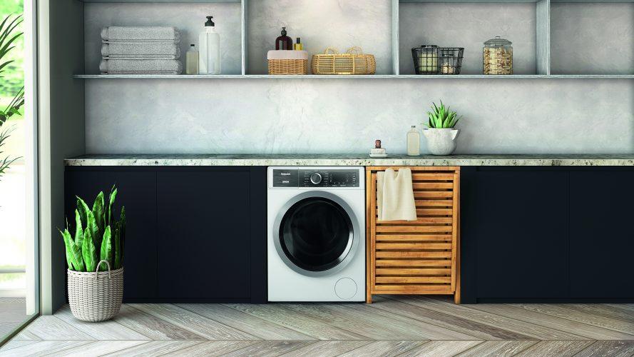 Hotpoint Class 8 GentlePower washing machine (H8 W946WB UK) - lifestyle hi