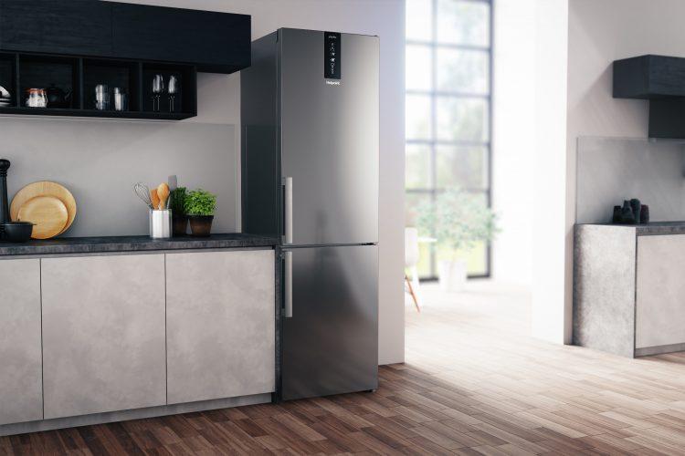 Hotpoint H7T 911T MX H fridge freezer lifestyle 3 - hi