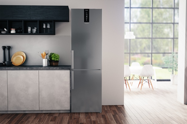 Hotpoint H7T 911T MX H fridge freezer lifestyle - low