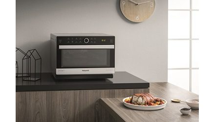 Hotpoint Launches New Freestanding Microwave