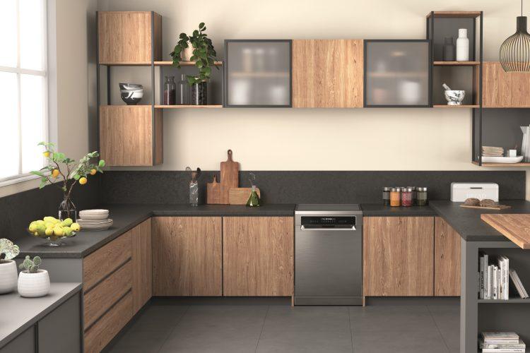 Hotpoint freestanding dishwasher with ActiveDry (HFP 5O41 WLG X UK) - lifestyle