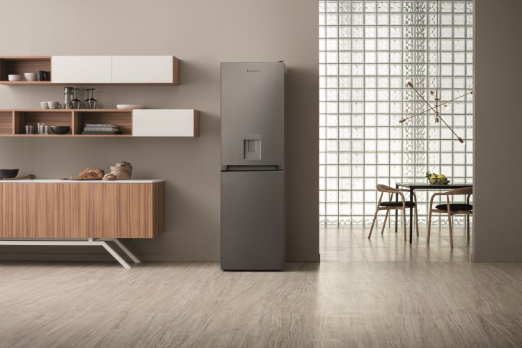 Hotpoint freestanding fridge freezer (HBNF 55181 S AQUA UK) - lifestyle hi