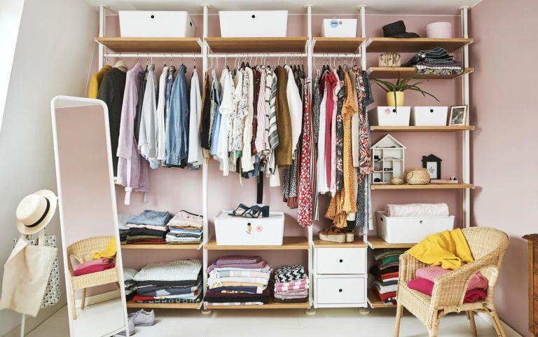 Ikea (closet)
