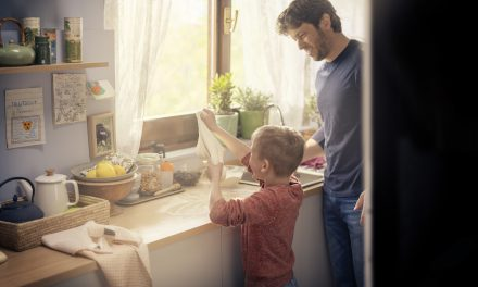 Indesit Survey Reveals Mums Are Doing Most of the Christmas Preparation