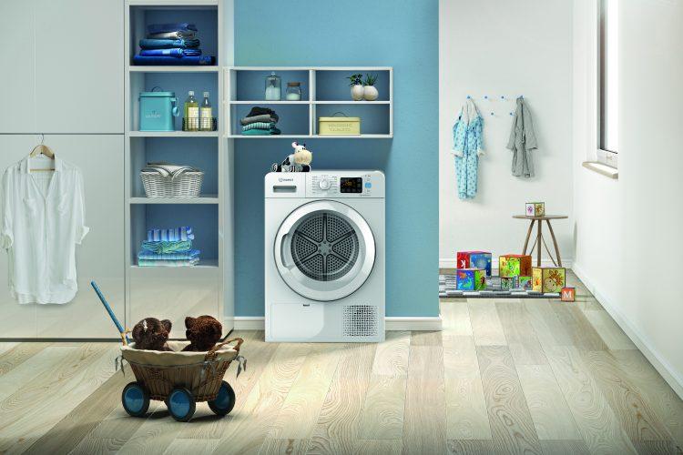 Indesit Push&Go 8 kg Tumble Dryer YT M11 82 X UK - lifestyle