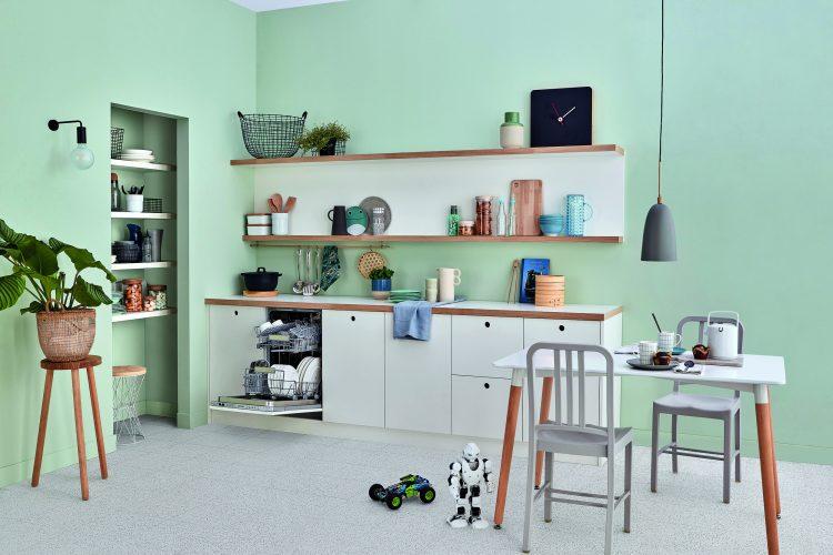 Indesit fully-integrated slimline Push&Go dishwasher DSIO 3T224 E Z UK - lifestyle - hi