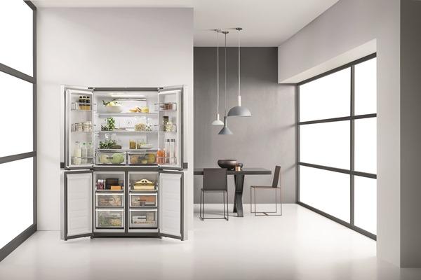 Whirlpool 4 Doors fridge freezer WQ9 B1L - lifestyle open - low