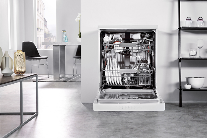 Whirlpool SupremeClean freestanding dishwasher - WFC 3C24 P - lifestyle - lo